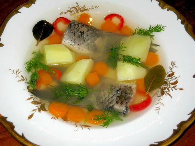 თევზის სუპი-უხა